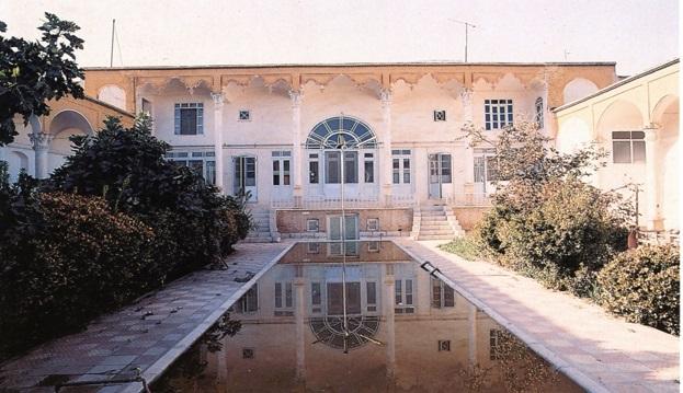 حیاط در معماری